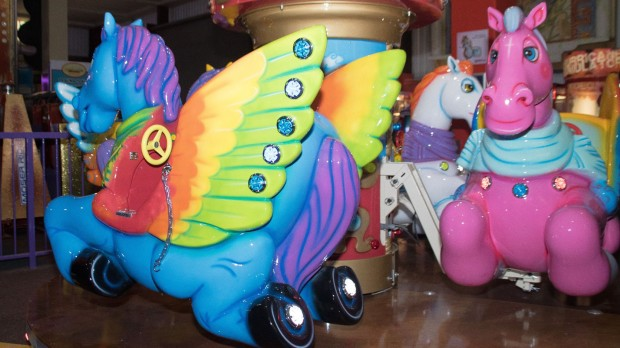 Twinlakes Park Karussell Pegasus Parade