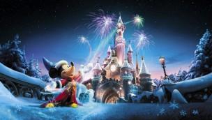 Disneyland® Paris erstrahlt im Winter 2017/18 im Weihnachtsglanz: Dieses festliche Programm wird geboten!