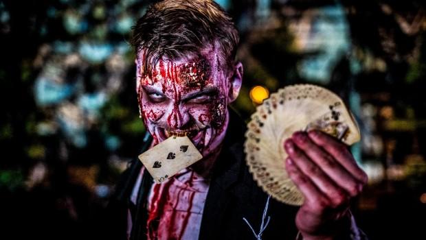 Kartenspieler - Horrornächte im FilmPark Babelsberg