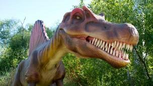 "Kings Island schließt große Dinofiguren-Ausstellung ""Dinosaurs Alive!"""