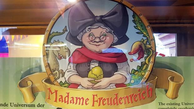 Madame Freudenreichs Curiosite Logo Preview Center