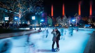 Autostadt Wolfsburg Eislaufen im Winter