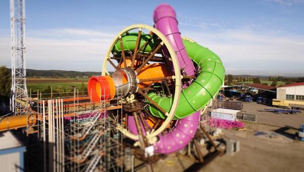 Drehende Wasserrutsche Therme Erding Baustelle