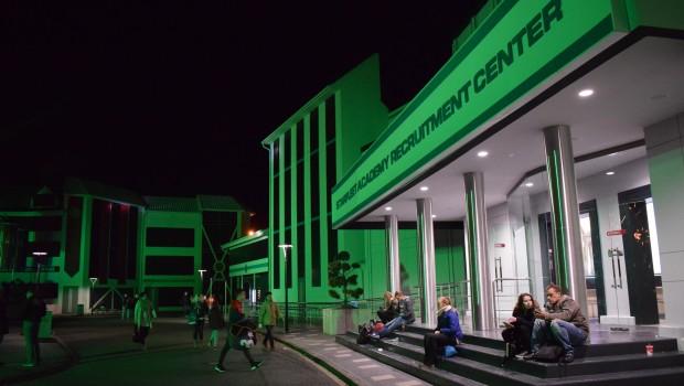 Federation Plaza im dunklen beim Halloween Horror Fest im Movie Park Germany