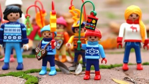 PLAYMOBIL-FunPark PLAYMOBIL-Figuren mit Laternen