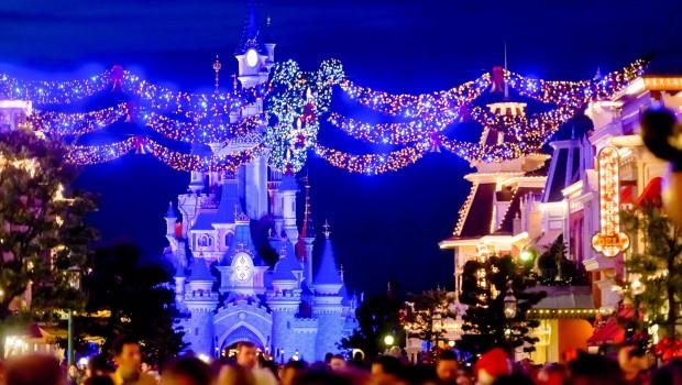 Disneyland Paris Winter-Dekoration Main Street Schloss