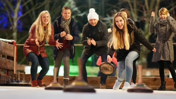 Winter-Zoo Hannover Eisstockschießen