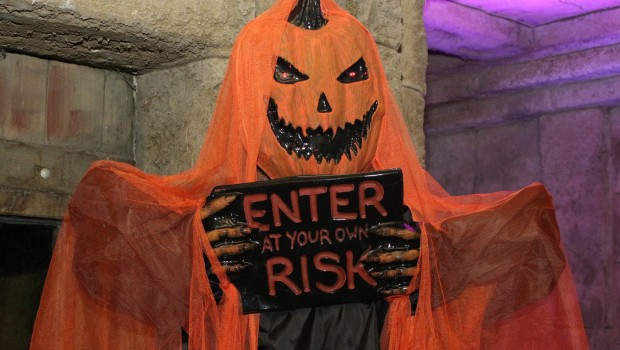 Zoo Osnabrück Halloween Enter at your own Risk