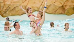 Aqualibi: Spaß im Wellenbad
