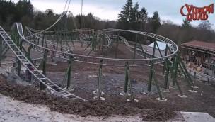 """Parc Le Pal feiert Schienenschluss bei """"Yukon Quad"""": Neue Katapult-Achterbahn für 2018 komplett aufgebaut"""