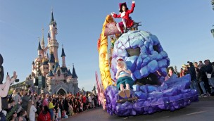 Disneyland Paris 2018: Parade zum Piraten und Prinzessinnen Festival