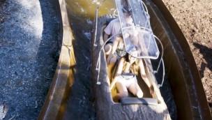 Nach schwerem Unfall: Sicherheits-Dach bei Wildwasserbahn-Booten im Freizeitpark angebracht