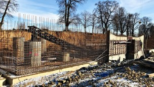 """""""Hyperion""""-Baustelle im Blick: Erste Schienen für neue Mega-Achterbahn in EnergyLandia verbaut"""