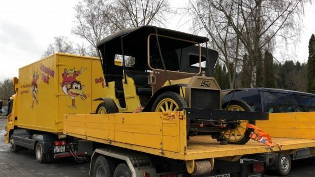 Schwaben-Park Oldtimer Abtransport