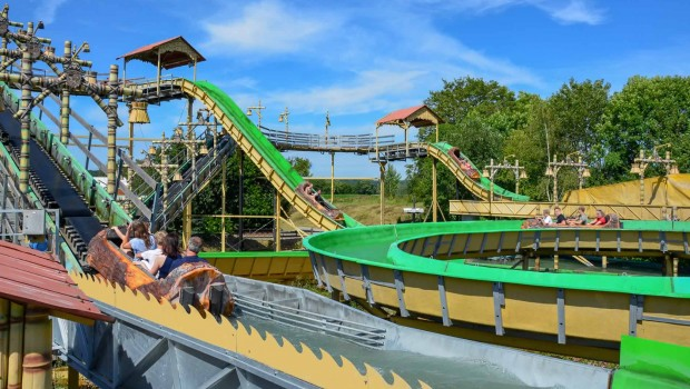 Eifelpark Pirateninsel Wildwasserbahn Totale
