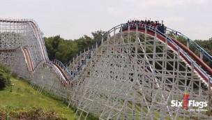 "Six Flags Over Georgia lässt ""Great American Scream Machine"" 2018 rückwärts fahren"