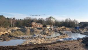 """""""Avalon""""-Baustelle im Blick: Bau von Bootsfahrt in neuem Themenbereich mit Wing Coaster """"Fēnix"""" im Toverland schreitet voran"""
