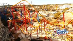 "Six Flags Fiesta Texas feiert Schienenschluss bei ""Wonder Woman Golden Lasso"": Neuer Raptor Coaster kurz vor der Eröffnung!"