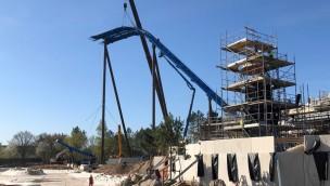 """""""Fēnix"""" in Toverland erreicht höchsten Punkt: Neue Achterbahn ragt 40 Meter in die Höhe"""