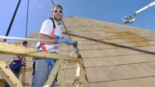 Ikonische BELANTIS-Pyramide bald in neuem Glanz: Erste Komplett-Reinigung nach 15 Jahren