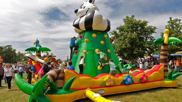 Elbauenpark Hüpfburg-Festival