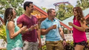 Freibier in Floridas Freizeitparks: SeaWorld und Busch Gardens schenken im Sommer 2018 kostenlos Bier aus