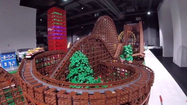 Holzachterbahn aus Lego von YouTuber Chairudo