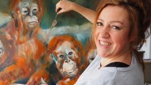 Zoo Rostock zeigt Ausstellung von Stefanie Klymant mit Orang-Utan-Olgemälden im Sommer 2018