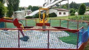 Churpfalzarpark - Baggerin in der Baggerschule
