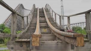 """Colossos"" wird wiederbelebt: Rückbau der Schienen an Holzachterbahn im Heide Park hat begonnen"