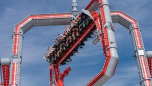 XXL-Gyroskop feiert Freizeitpark-Premiere: Six Flags eröffnet irre Tourbillon-Attraktion