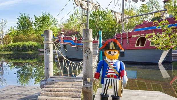 PLAYMOBIL-FunPark Piratenfigur Piratenschiff