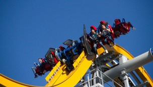 "Six Flags México eröffnet neue Achterbahn ""Wonder Woman Coaster"": Erster 4D-Free-Fly-Coaster Lateinamerikas im Mitfahr-Video!"