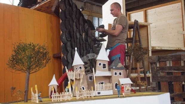 EQUILALAND Spielturmwelt Modell