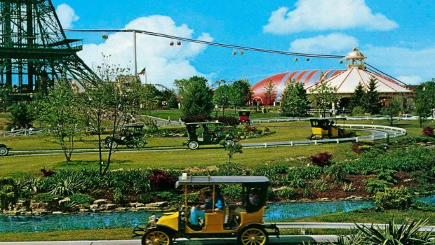 Kings Island Antique Cars (Les Taxis)
