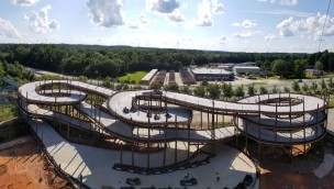 "Mehrstöckige Go-Kart-Bahn ""Samson Track"" in Fun Spot America Atlanta eröffnet"