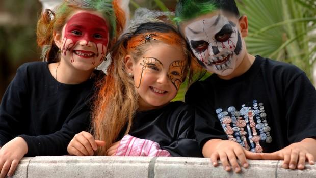 Europa-Park Halloween Kinderschminken Spooky Kids VIllage