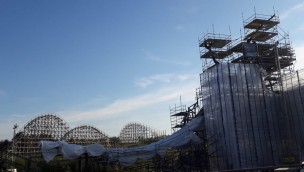 """Heide Park schreitet mit """"Colossos""""-Neubau voran: Große Stahlkonstruktion wächst in die Höhe"""