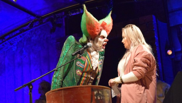 Walibi Holland Halloween Fright Nights Eddies Roastshow