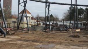 """Hansa-Park beginnt Bauarbeiten für """"Highlander"""": Neuer Mega-Freifallturm entsteht inmitten von Achterbahn-Verlauf"""