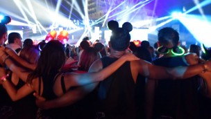 Disneyland paris Electroland Besucher Mausohren