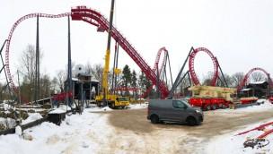"""Freizeitpark Plohn feiert Schienenschluss bei """"Dynamite"""": Deutschlandweit einzigartige Achterbahn aufgebaut"""