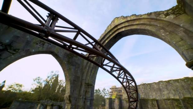 Harry Potter Achterbahn Orlando Universal Near Miss Effekt Schiene