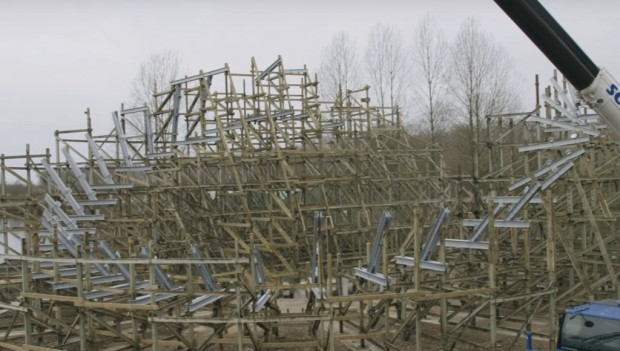 Walibi Holland Untamed Baustelle (Inversion)