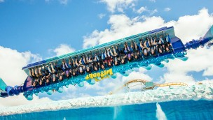 DreamWorld Australia Waikiki Wave SUper Flip Wipeout