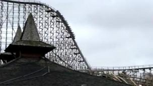"""Neue """"Colossos"""" im Heide Park macht Testfahrten: Erneuerte Holzachterbahn erstmals auf der Strecke"""