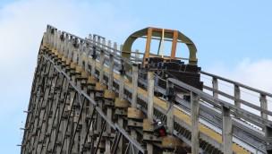"""Meilenstein für """"Colossos""""-Comeback: Letzte Schiene für Holzachterbahn im Heide Park"""