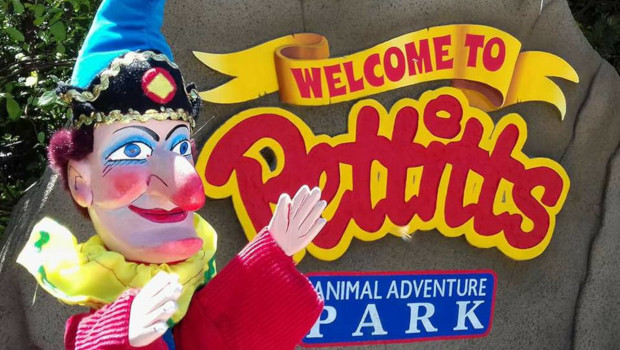 Pettitts Animal Adventure Park Logo