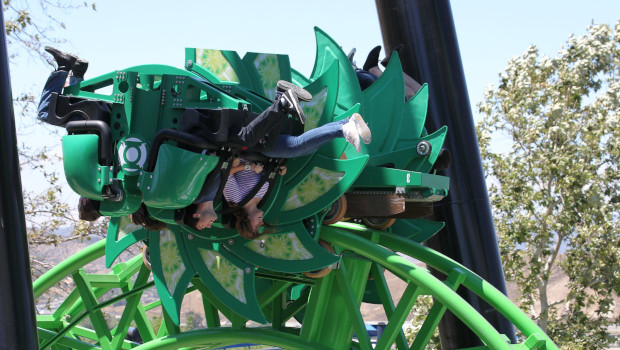 Six Flags Magic Mountain Green Lantern