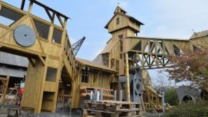 """""""Sägewerk""""-Baustelle im Blick: Abenteuerspielplatz in Tripsdrill entsteht zur Eröffnung an Pfingsten 2019"""
